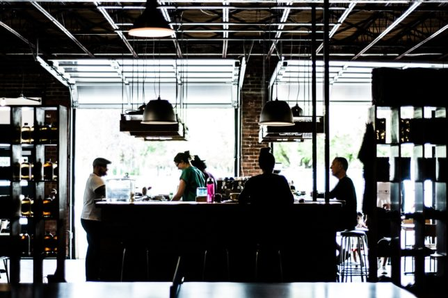カフェで働くとモテる?カフェバイトの良いところ、悪いところ